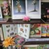 Библиотекари филиала №34 создали выставку-инсталляцию «Цветочные ноты»