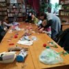 В библиотеке №42 дети узнали об истории кукол и изготовили традиционную куклу-крестушку